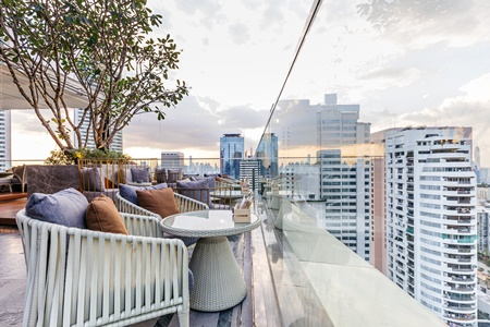 10 Things to do in Thailand - Sky Bar Thailand